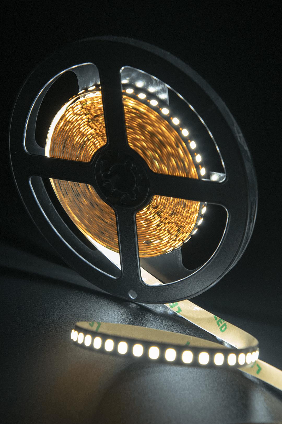 Лента светодиодная ПРО 2835, 160 LED/м, 14,4 Вт/м, 24В , IP20, Цвет: Холодный белый