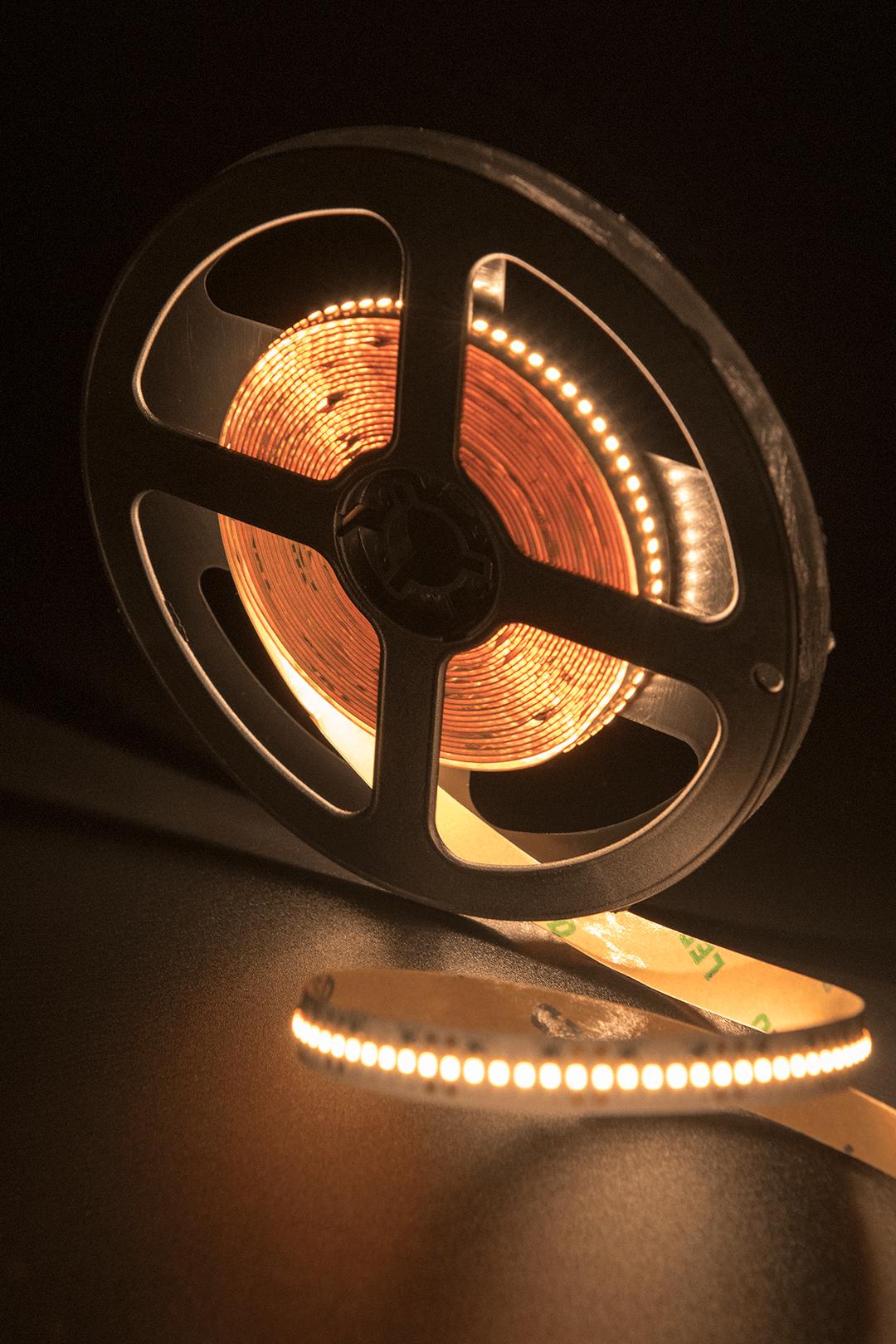 Лента светодиодная стандарт 2216, 300 LED/м, 19,4 Вт/м, 24В , IP20, Цвет: Теплый белый