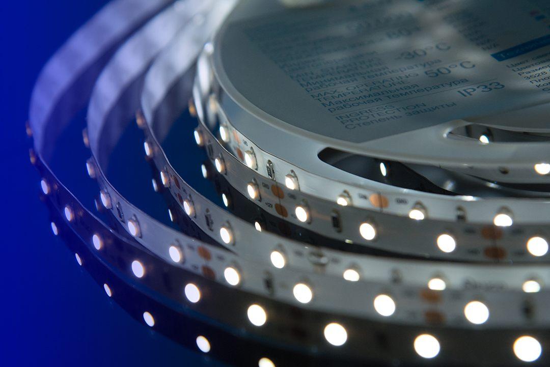 Лента светодиодная LUX, 3528, 60 LED/м, 4,8 Вт/м, 12В, IP33, Холодный белый (6000K)