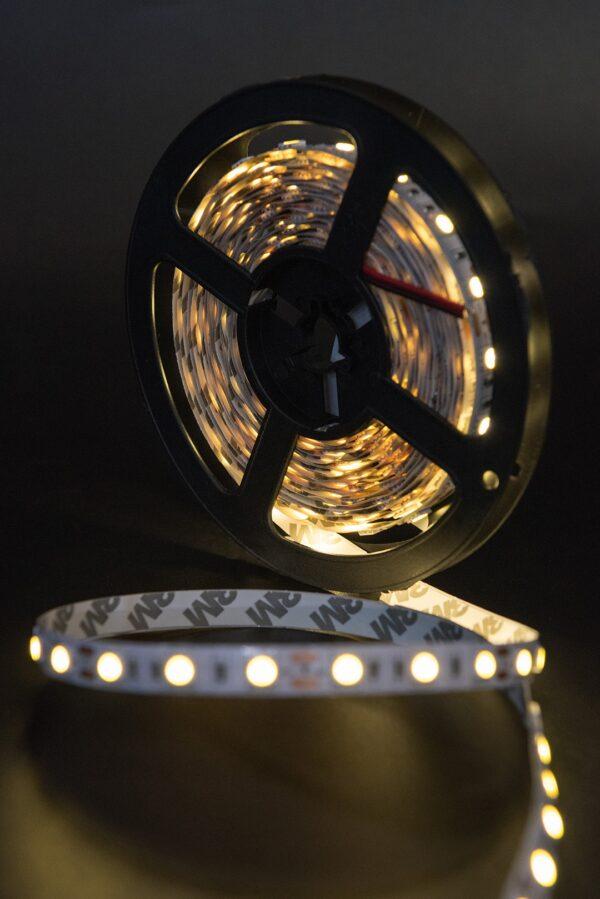 Лента светодиодная эконом 5050, 60 LED/м, 14,4 Вт/м, 12В , IP20, Цвет: Теплый белый