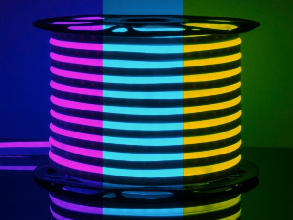 LS001 220V RGB / Лента светодиодная Гибкий неон 12W 80Led 5050 IP67 односторонний , 50 м