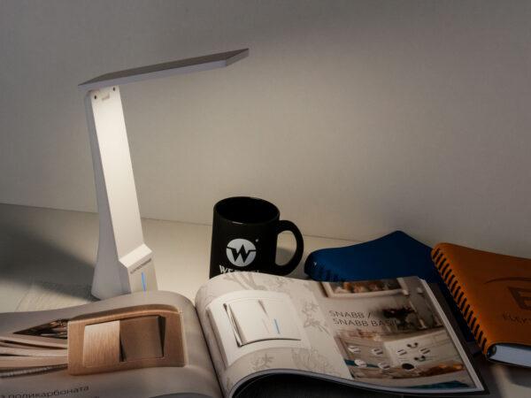 TL90450 / Светильник светодиодный настольный Desk белый/золотой