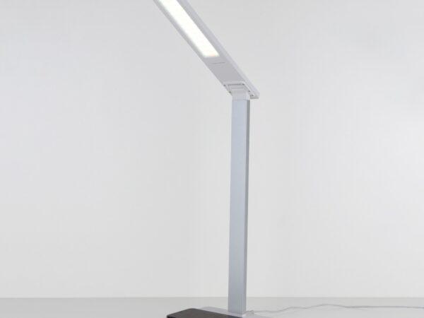 TL90510 / Светильник светодиодный настольный Lori белый/серебряный