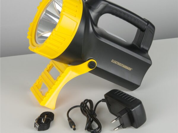 FLK27-26-10W-01led BK / Прожекторный фонарь аккумуляторный Tourist