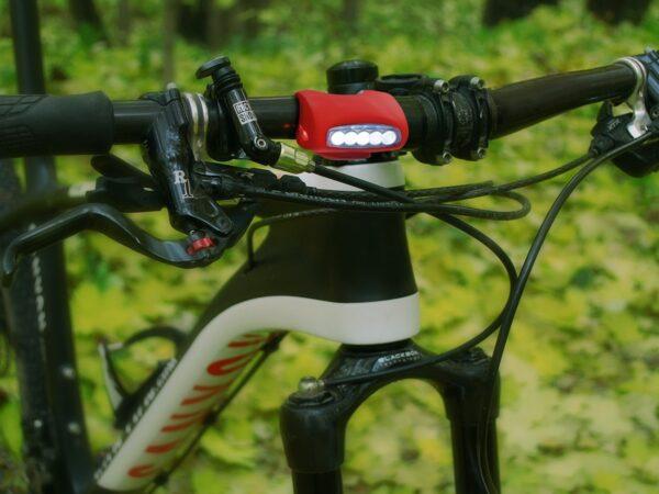 FLB01-06W / Велофонарь Forward