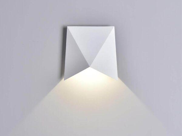 Уличный настенный светодиодный светильник Mantra Triax 6526