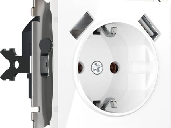 W1171501/ Розетка с заземлением, шторками и USBх2 (белый)
