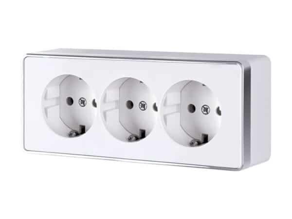 W5073101/ Розетка тройная с заземлением и шторками Gallant (белый)